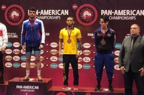 Medalla de bronce para Dicther Hans Toro en el Panamericano de Lucha