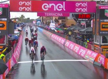Un alemán superó a Fernando Gaviria en la quinta etapa del Giro