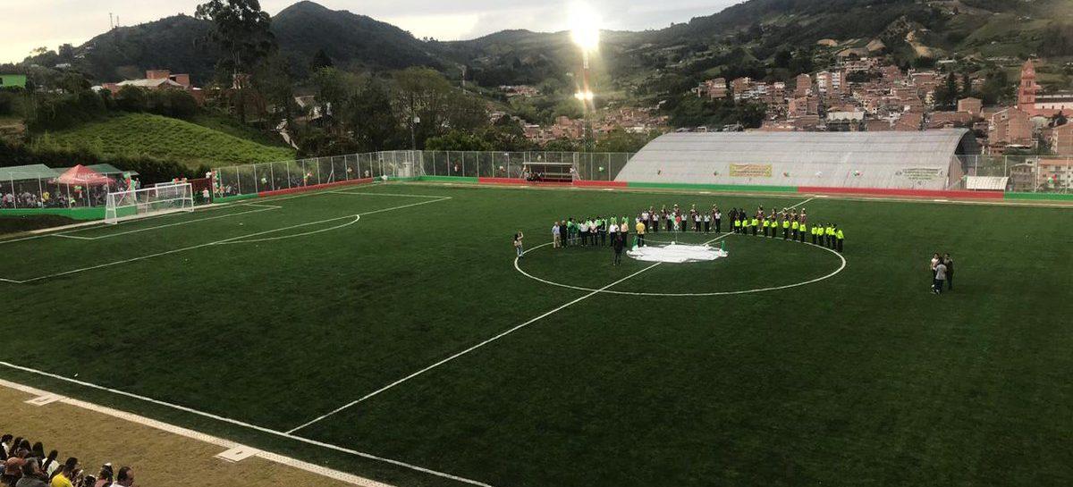 En El Santuario fue inaugurada la cancha del Polideportivo Mario Giraldo