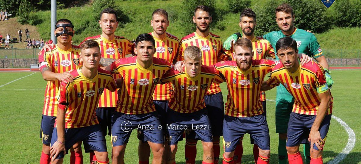 Brayan Vera fue titular con el Lecce en el inicio de pretemporada