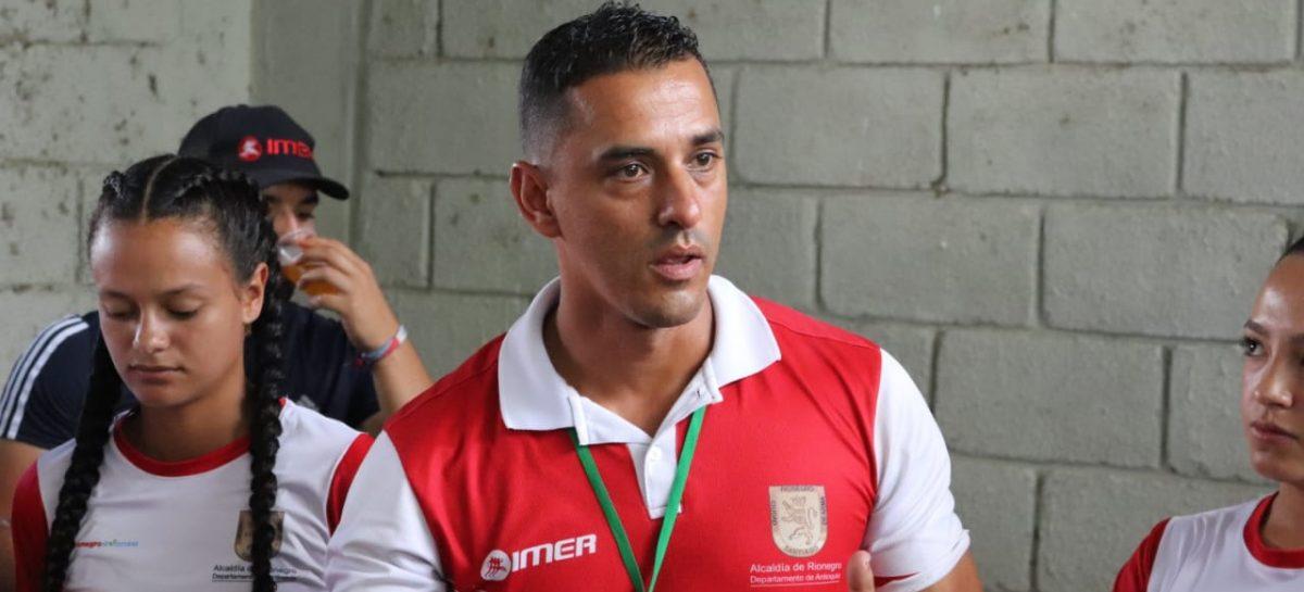 José Andrés Gómez, uno de los pioneros de la psicología deportiva en el Oriente