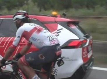 El cejeño Fernando Gaviria sufrió una caída durante la etapa 10 del Giro de Italia