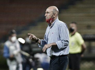 ¡Duró poco! Javier Álvarez renunció a la dirección técnica de Independiente Medellín