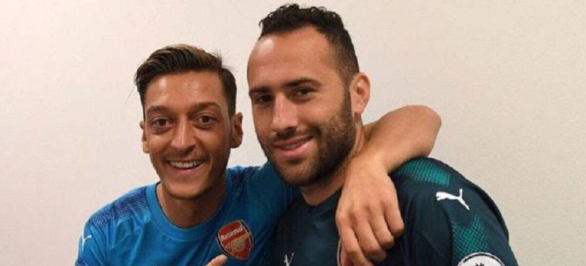 Mesut Özil incluyó a David Ospina en el Xl ideal de compañeros del Arsenal