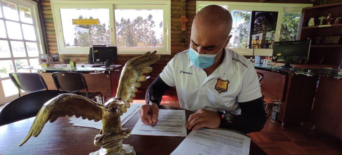 El cejeño Yony Yepes regresa a Águilas Doradas como entrenador de arqueros