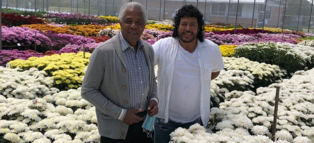 El regalo de René Higuita a Francisco Maturana en un cultivo del Oriente