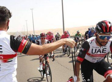 Fernando Gaviria fue quinto en la sexta etapa del Tour de los Emiratos Árabes Unidos