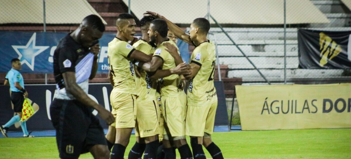 Cuerpo técnico y 14 jugadores de Águilas Doradas dieron positivo por COVID-19