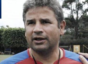 Mientras jugaba fútbol con sus amigos, falleció Guillermo 'El Teacher' Berrío, exDT del DIM
