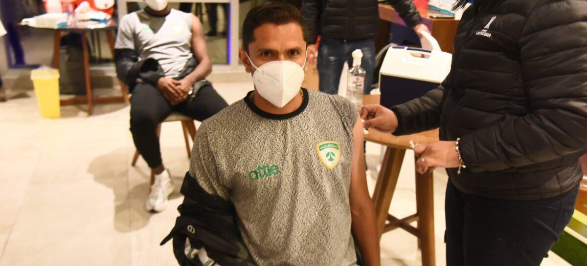 Tres equipos colombianos recibieron la vacuna contra el COVID-19