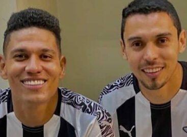 Alex Mejía y Daniel Bocanegra, campeones con Libertad de Paraguay