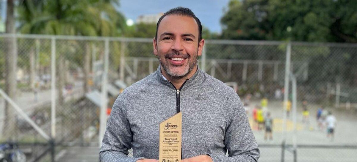 Entrenador de Sonsón recibió reconocimiento de la Federación Colombiana de Fútbol de Salón