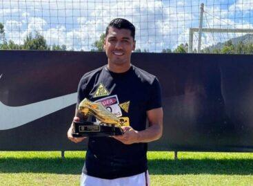 En Guarne, Jefferson Duque recibió el botín de oro como goleador de la Liga Betplay