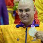 A los 47 años, Moisés Fuentes ganó medalla de plata en los Paralímpicos