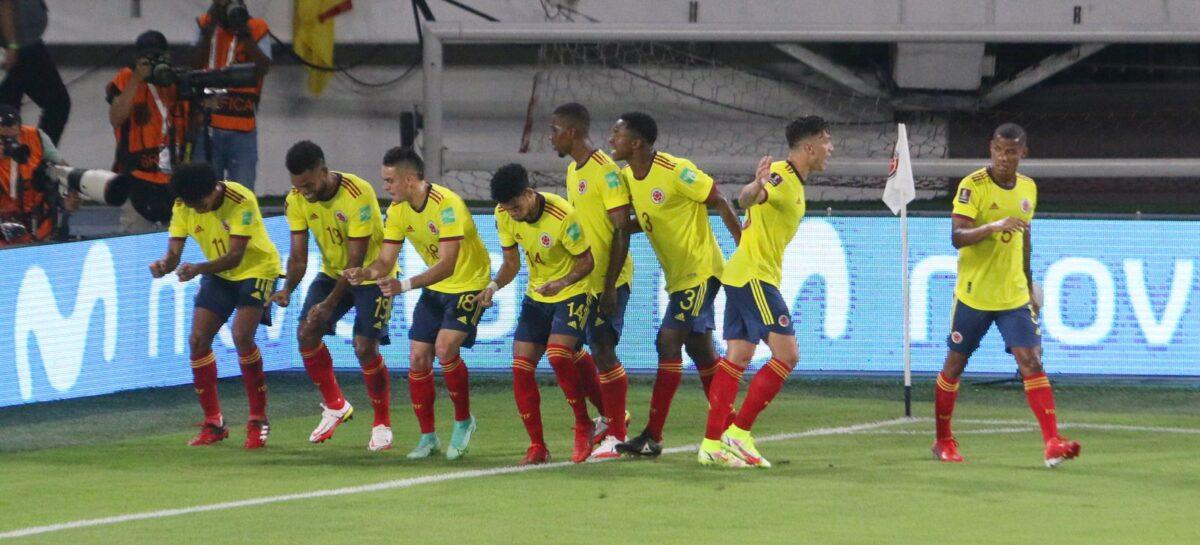 Colombia derrotó a Chile y sigue soñando con clasificar al Mundial