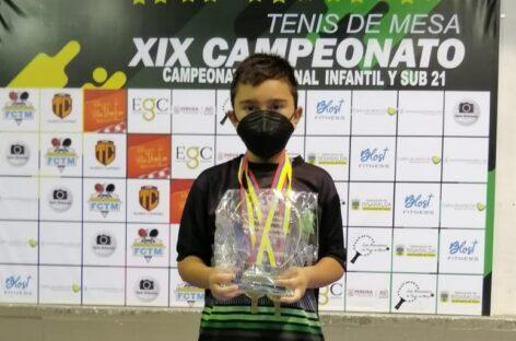 Emanuel Otálvaro, de solo 11 años, fue el más ganador del Nacional de Tenis de Mesa en Pereira