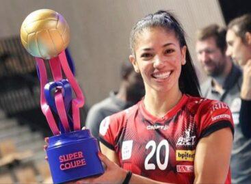 La colombiana Amanda Coneo se coronó campeona de la Supercopa de Francia de Voleibol