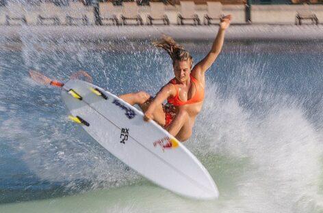 La colombiana Isabella Gómez está nominada a los Óscar del surf de olas gigantes 2021
